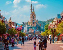 Disneyland Paris Hauptstrasse mit Cinderella Schloss