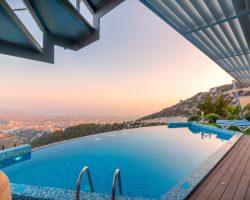 Ferienhaus Pool mit Blick auf Meer