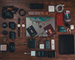 Reisedokumente auf Tisch
